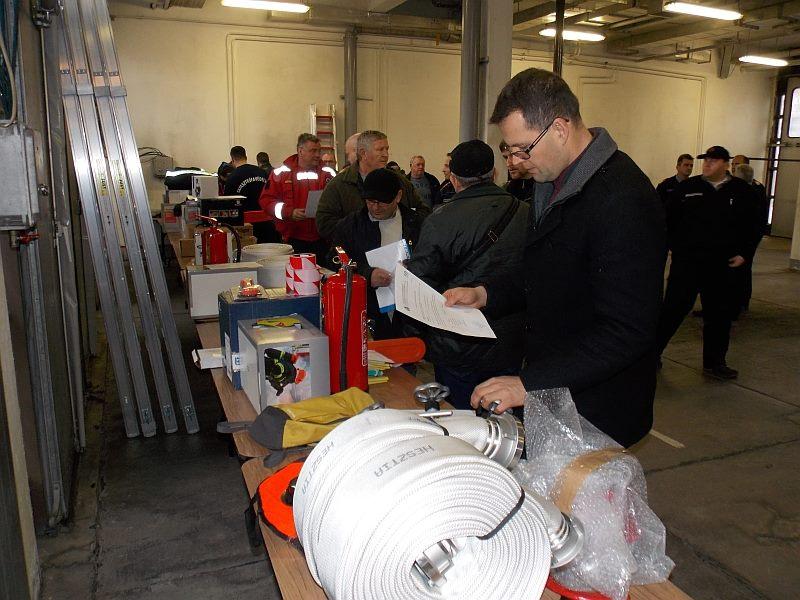 Az önkéntes tűzoltók új eszközöket kaptak
