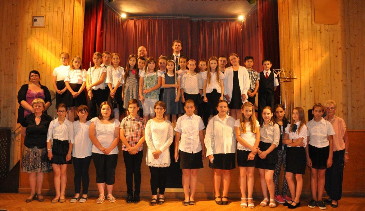 A művészeti iskolások évzáró hangversenyt tartottak a művelődési házban